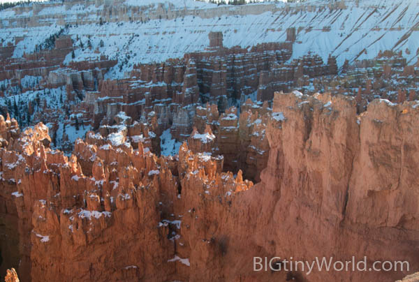 Sunset over snow covered hoodoos at Sunrise Point | bigtinyworld.com