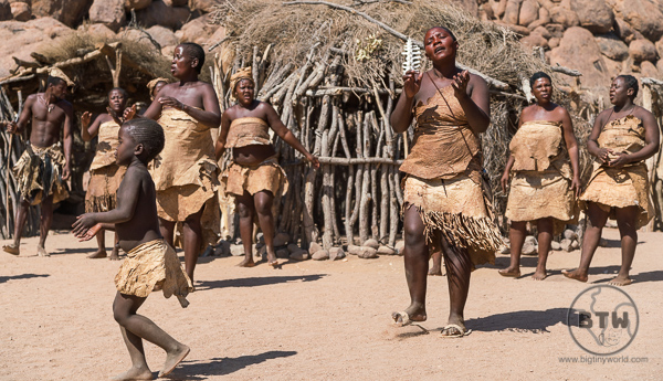 Damara women dancing