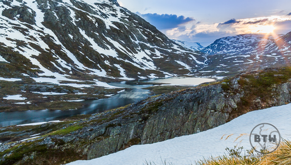 Sunset over a snowy landscape in Norway   BIG tiny World Travel